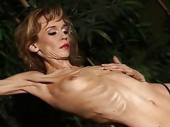 Exotic ash-blonde strips and demonstrates her anorexic body all alone