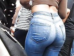 Denim butt at entertaining spectacle